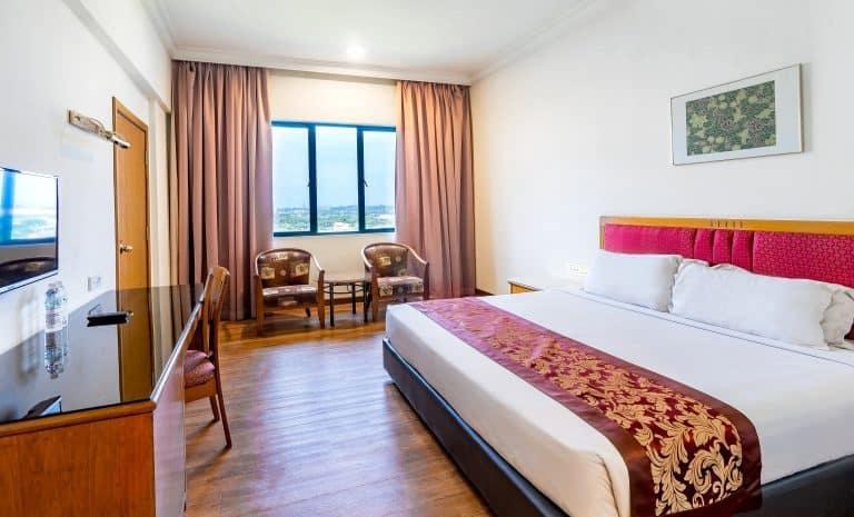 Crystal Crown Hotel Harbour View Port Klang